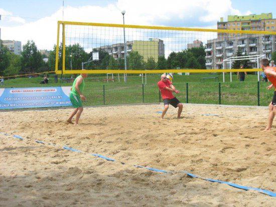Licealiści zagrali w siatkówkę plażową