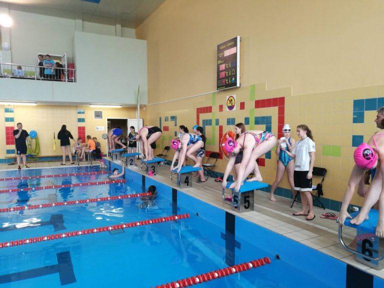 SZS: Pływacy ruszyli do boju