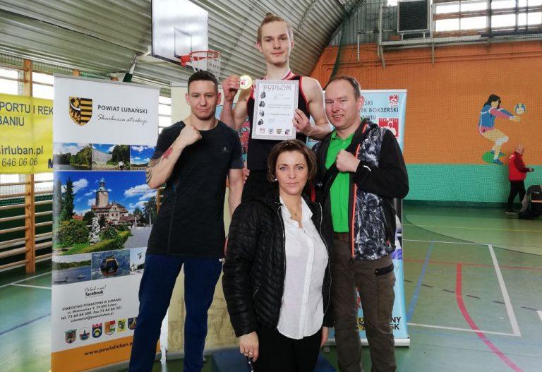Boks: Gracjan Ziniewicz mistrzem Dolnego Śląska