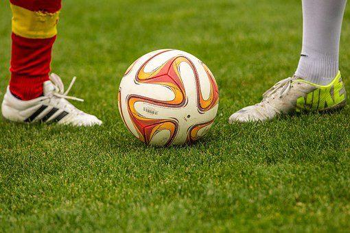 W pogoni za piłką: Może pora na zmianę przepisów barażowych?