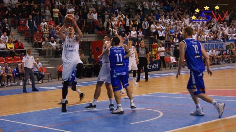 Koszykówka: Piotr Niedźwiedzki najlepszym zawodnikiem sezonu 2019/2020