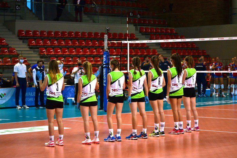 Siatkówka: Dziewczęta Chełmca pomagały podczas meczu