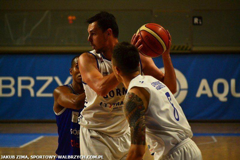 Koszykówka: Wygrywają z Bojanowskim, ale bez Cechniaka w składzie [FOTO, WIDEO]