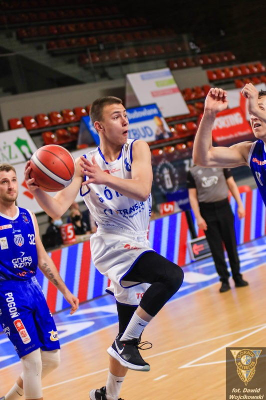 Koszykówka: Zywert debiutuje za 3!