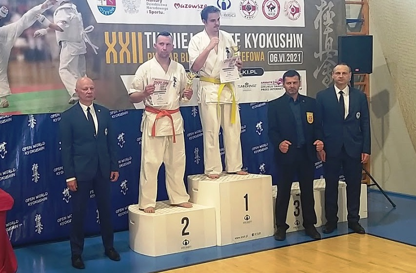 Wałbrzyscy karatecy w formie