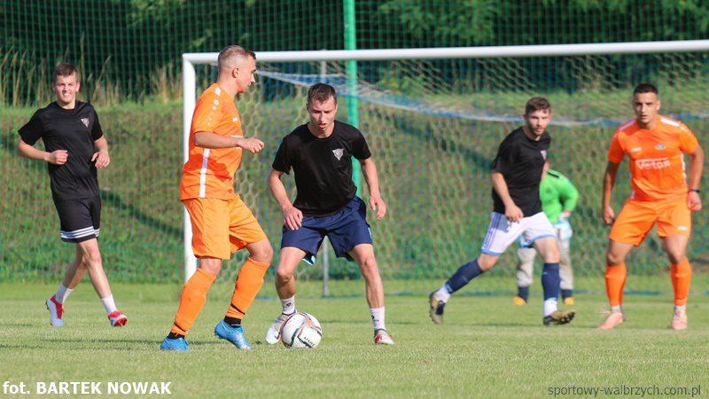 Victoria Świebodzice - Górnik Nowe Miasto, Sportowy Wałbrzych, Sparingowo, Victoria lepsza od Nowego Miasta